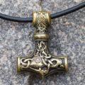 Молот бога Тора - происхождение, значение амулетов и тату с изображением мьельнира