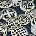 Славянские обереги: виды, символы, как носить и выбирать