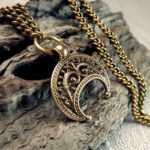 Лунница оберег: значение старославянского символа — Текстильная лавка «Лунница»